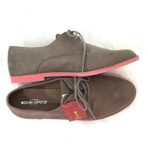 Mossimo Supply Co. Oxford Shoes Pink Soles Sz 9